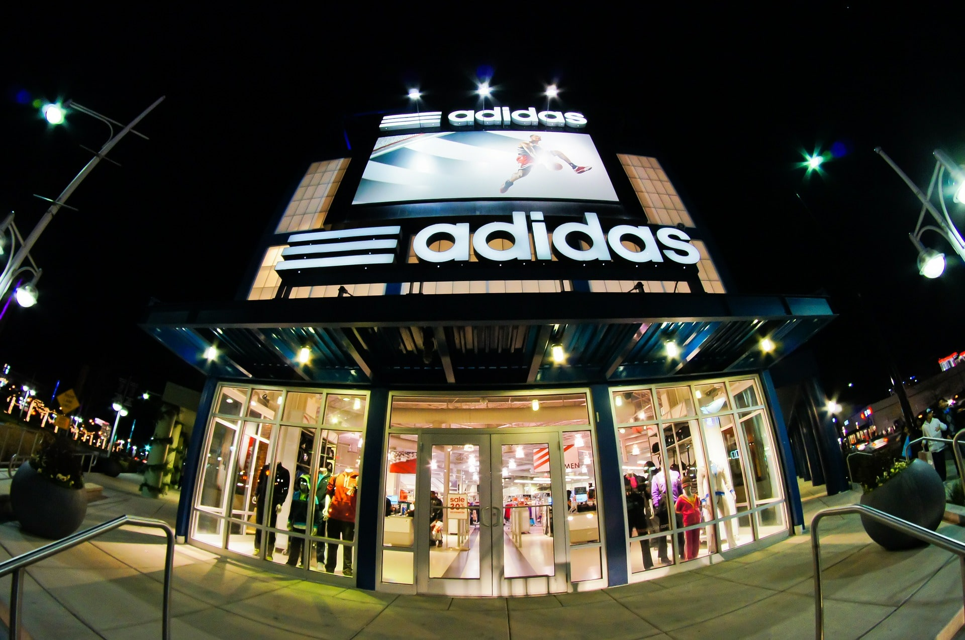 Adidas loses 3-stripes trade mark battle in Europe