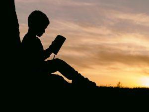 elon-musk-boy-reading-min